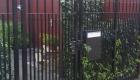 hekwerk Newline Royal voorzien van extra spijlen waardoor katten  in de tuin niet kunnen ontsnappen.