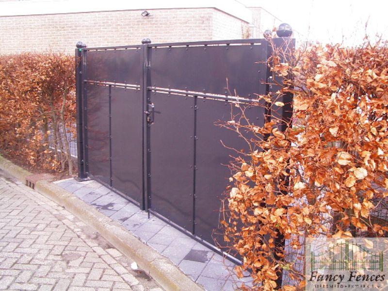 stalen dichte poort